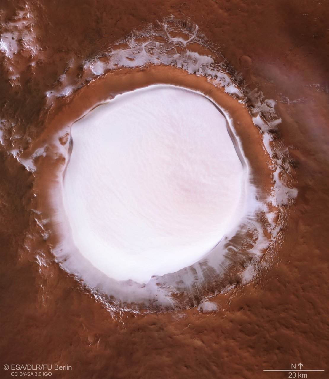 Pianeti e loro satelliti Plan_view_of_Korolev_crater_article_mob